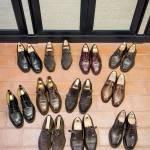 Alcune delle scarpe. I marchi preferiti sono senz'altro Allen Edmonds, Edward Green, Alden, John Lobb.