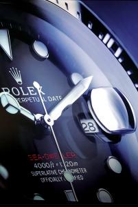 Il nuovo Rolex Sea-Dweller raggiunge 1.200 metri di profondità, utilizza il calibro meccanico automatico 3235 ed è fornito di lente Cyclop, finora mai vista su questo modello (10.550 euro).