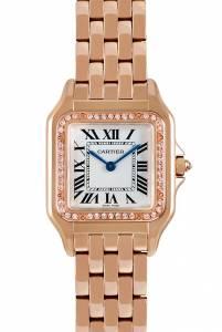 Il Panthère de Cartier ha la cassa carré in oro rosa di 27x37 mm (quest'ultima misura comprende le anse che ospitano gli attacchi del bracciale) e la lunetta con diamanti; corona di carica incastonata con un diamante.  (26.900 euro, cartier.com).