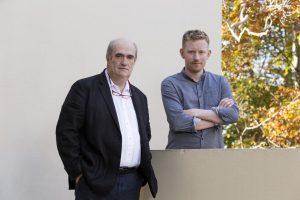 Colm Tóibín, mentor in letteratura  con il suo protégé Colin Barrett. ©Rolex/Bart Michiels.